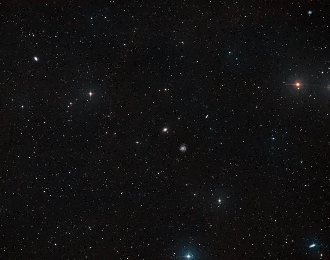 破解暗物质消失之谜,哈勃的最新发现,又攻克了一个天文学难题!
