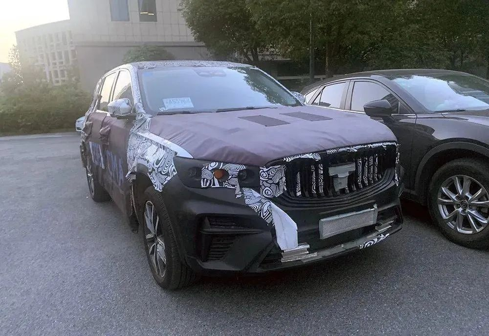 与沃尔沃XC40同平台,吉利全新SUV KX11曝光
