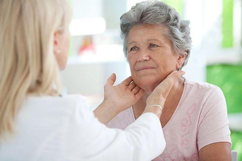 如何判断甲状腺结节是良性还是恶性?这些症状,都要关注